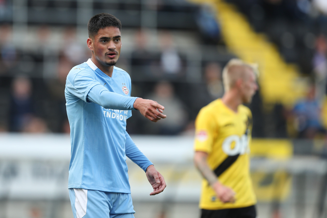 Luis Felipe had een aantal goede intercepties in huis, maar kon de nederlaag van Jong PSV niet afwenden.