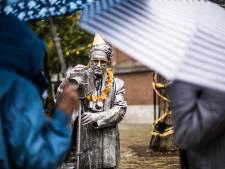 Paraplu domineert het afscheid van World Living Statues in Arnhem