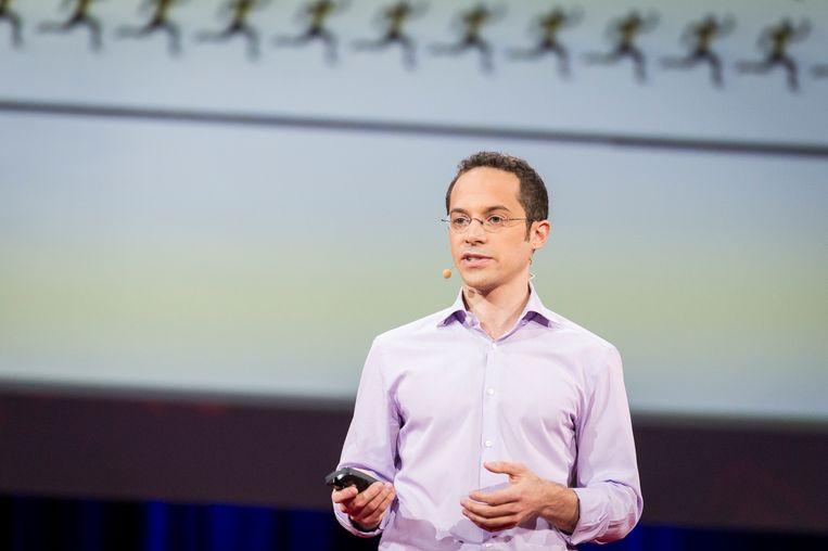 David Epstein bij een lezing op TED2014 in Vancouver, Canada. Beeld James Duncan Davidson