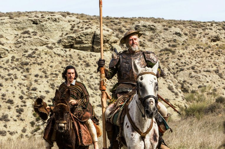 Adam Driver en Jonathan Pryce in 'The Man Who Killed Don Quichote'. Beeld rv