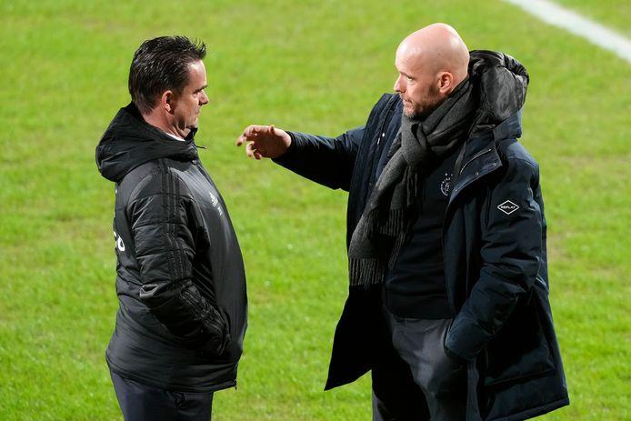 Marc Overmars heeft op en naast het veld een goede relatie met Ajax-trainer Erik ten Hag.