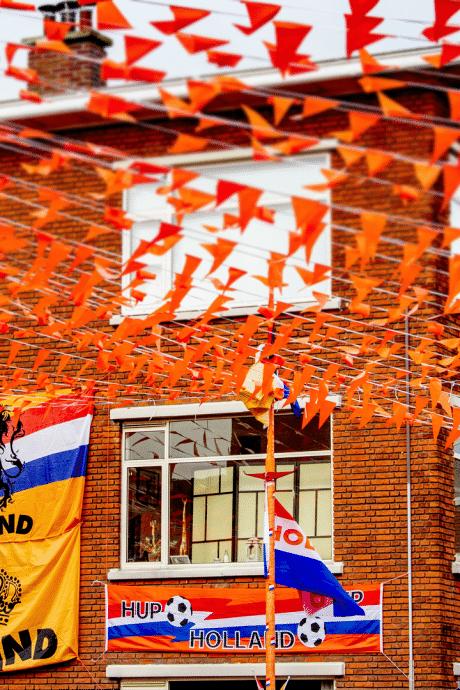 Wordt De Wielewaal in Nieuwegein Dé Oranjestraat van Nederland?