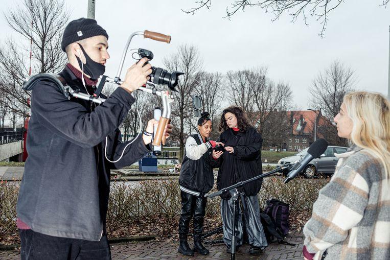 De Noordvoerders proberen zoveel mogelijk jongeren op 17 maart naar de stembus te lokken. Beeld Jakob van Vliet