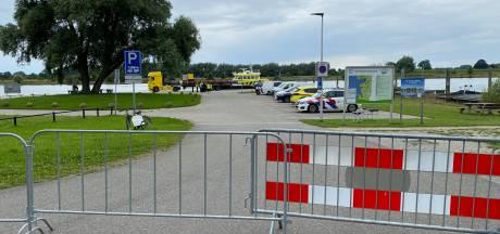 Auto door duikteam gevonden in de IJssel bij Wijhe: 'Het was de auto die we al weken zochten'