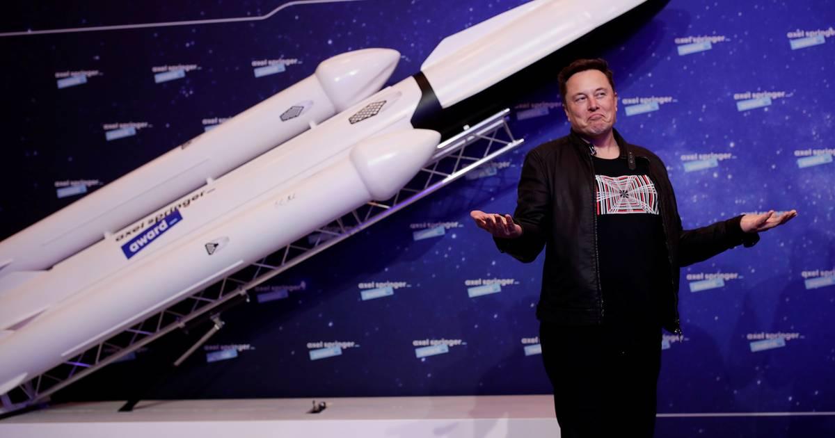 Tesla-baas Musk aangeklaagd door investeerder om 'grillige' tweets - AD.nl