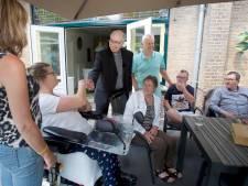 Bisschop Liesen bezoekt Thomashuis Oudenbosch