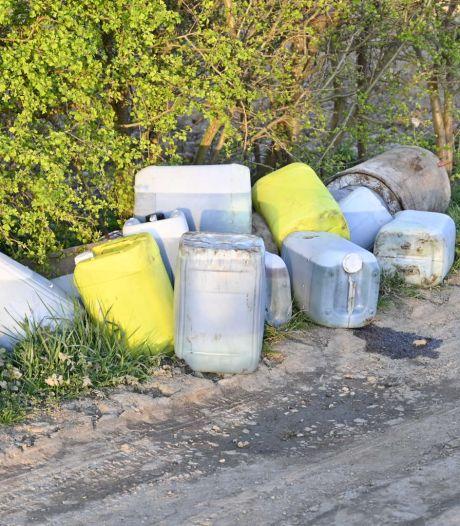 Vaten met chemisch afval gedumpt in buitengebied van Nederasselt