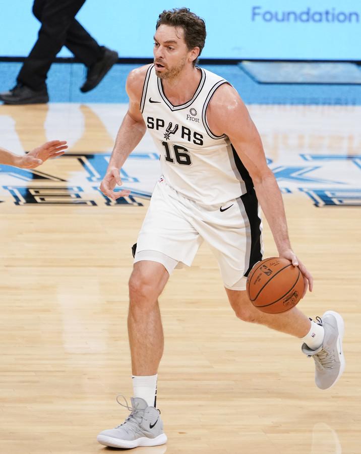 Pau Gasol in actie voor San Antonio Spurs op 29 oktober 2018.