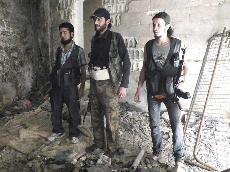Strijders van het oppositionele Vrije Syrische Leger. Beeld reuters