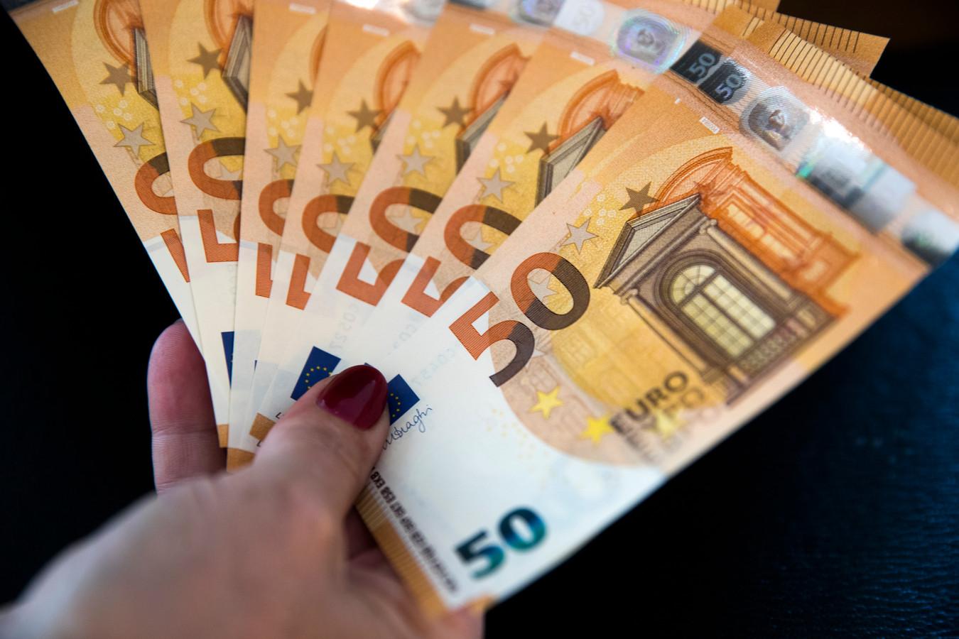 De gemiddelde kwijtgescholden schuld bedraagt 6400 euro.
