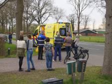 E-bike komt in Doornspijk in botsing met bestelbus: bestuurder naar ziekenhuis