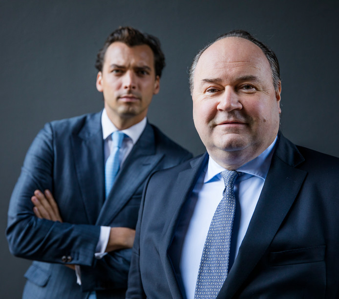 Portret van Forum voor Democratie-leider Thierry Baudet (links) en Henk Otten.