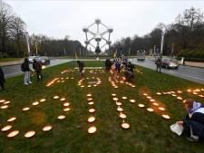 Un message pour limiter le réchauffement à 1,5 degrés a illuminé l'Atomium à Bruxelles