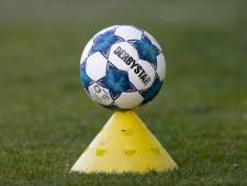 Welke ploeg grijpt de tweede plaats en promoveert naar de eredivisie?