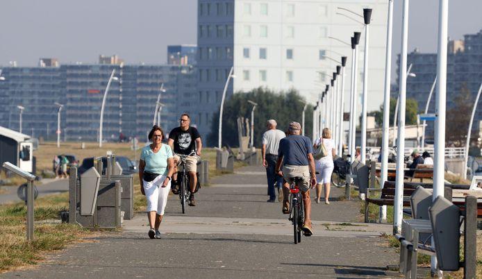 Drukte op de Scheldeboulevard eind september, op één van de laatste warme dagen van dit jaar.