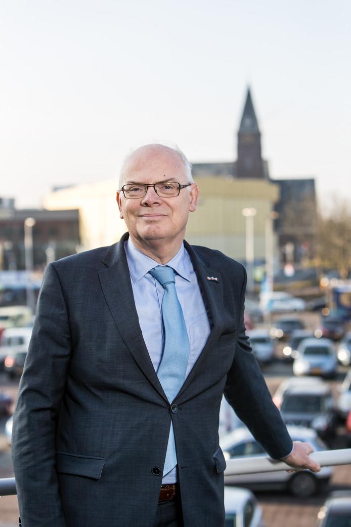 Burgemeester van Barendrecht Jan van Belzen is blij met de extra bevoegdheden.