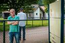 Martien Evers op bezoek bij statushouder Ali Issa die woont bji AZC Dronten.