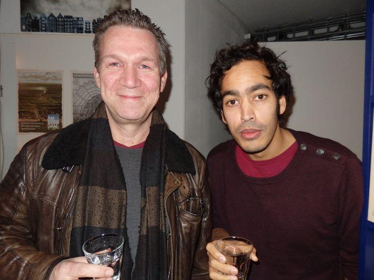 Lebowski-uitgever Oscar van Gelderen (l) en schrijver/ columnist Johan Fretz. Beeld -