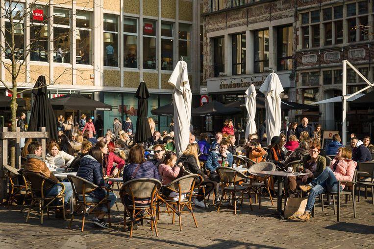 Vanaf maandag eindelijk weer terrassen in de stad Beeld Foto James Arthur
