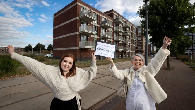 Susanne en Femke kregen duizendste woning Woonbedrijf: 'We zijn over the moon'