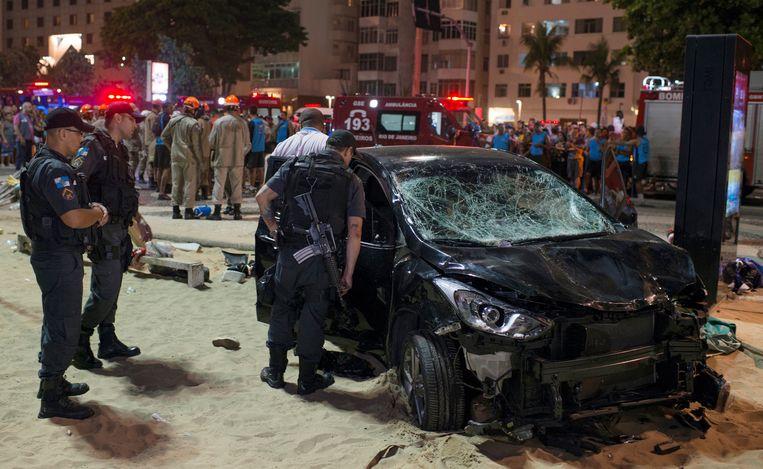 De bestuurder van de auto kreeg waarschijnlijk een epileptische aanval, waardoor hij de controle over het stuur verloor.