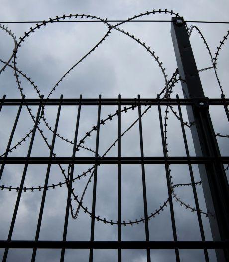Tbs'er die in Zwolle meisje verkrachtte, grijpt naar de drugs: 'Misstap kost hem zo een jaar extra'