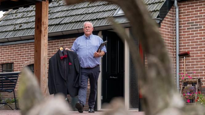 Door corona getroffen mannenkoor in Heerde pakt met herdenking draad weer op: 'Al die lege plekken, het rouwen moet nog beginnen'
