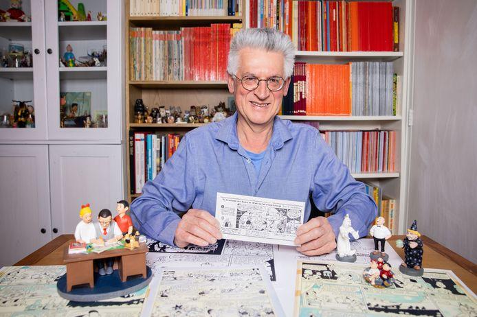Suske en Wiske-verzamelaar Wim van der Veeke met in zijn hand de eerste Suske en Wiske-aflevering die in De Stem stond.