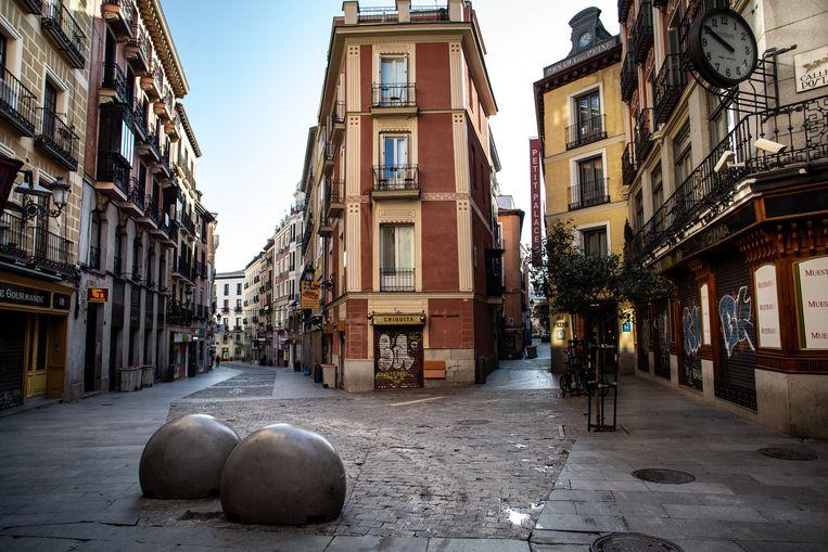 Voorbij is het leven op straat, hier in Madrid. Beeld Getty Images