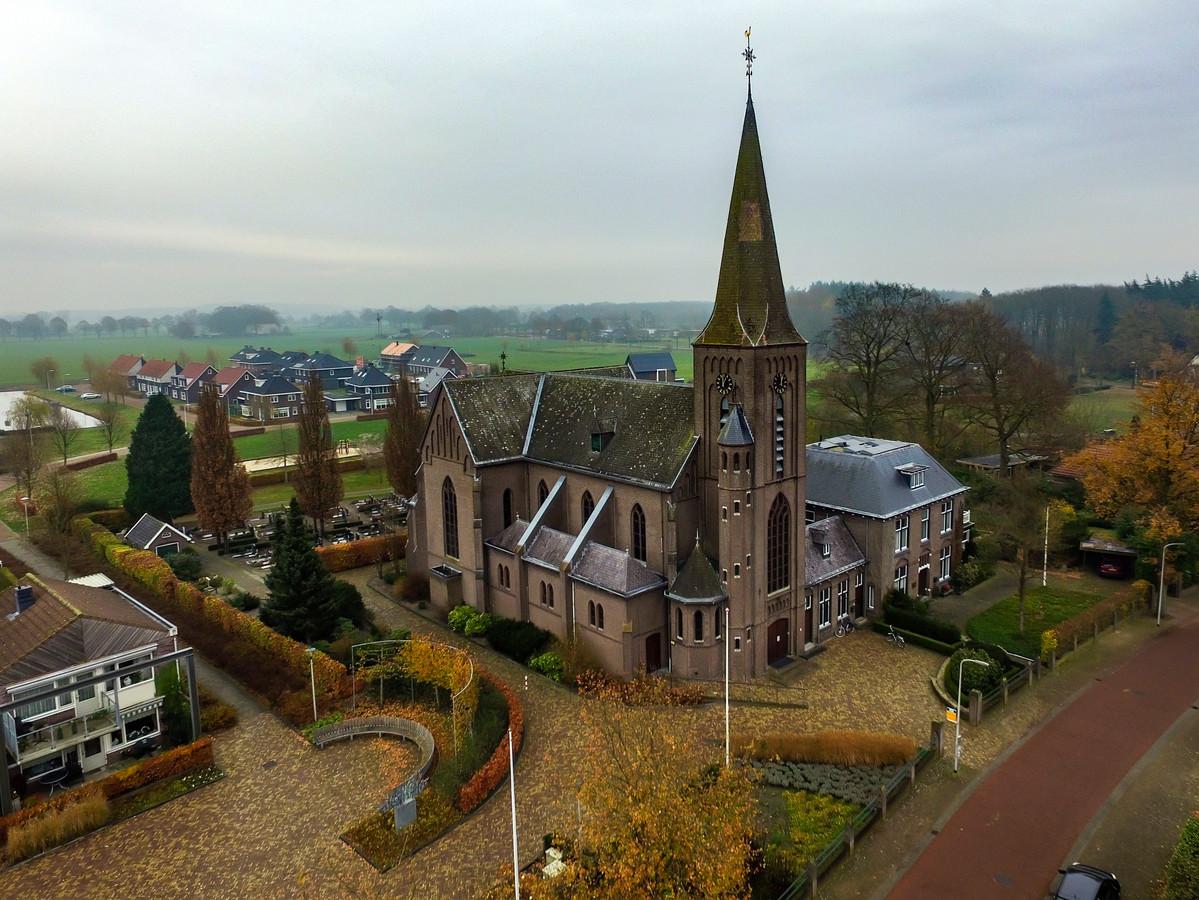 De kerk in Broekland, stralend middelpunt maar nauwelijks gebruikt. Wat moet er gebeuren met het gebouw zodra er geen diensten meer worden gehouden?