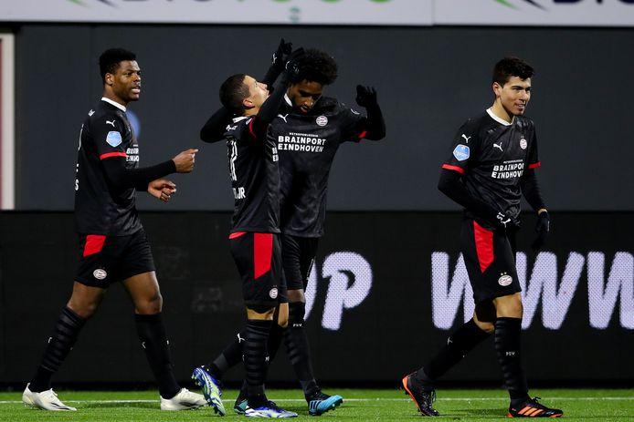 PSV won dinsdagavond in Emmen en is door die zege weer de nummer twee van de eredivisie.