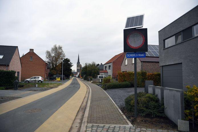 Vanaf 16 november vorig jaar werd de Kelfsstraat een schoolstraat.