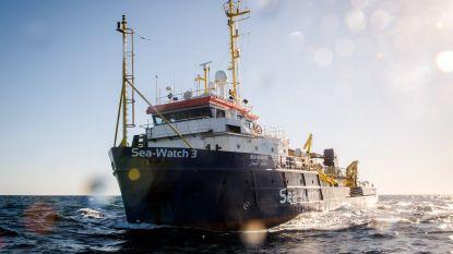65 migranten gered van rubberboot voor Libische kust