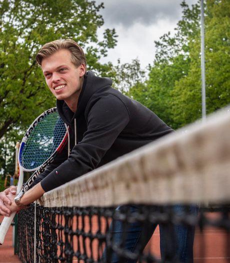 Ex-toptalent Julian Prins vocht tegen faalangst op het tennisveld: 'Je moet presteren om op de radar te blijven'