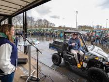 Applaus en getoeter tijdens boerendebat in Staphorst: bij Tjeerd blijft het stil