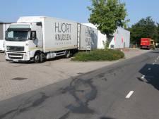 Tank van Poolse vrachtwagen lekt diesel, chauffeur wil doorrijden