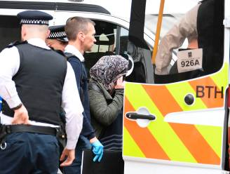 TERUGLEZEN. Dodentol loopt op tot 7 - 21 slachtoffers kritiek - Politie pakt 14 mensen op