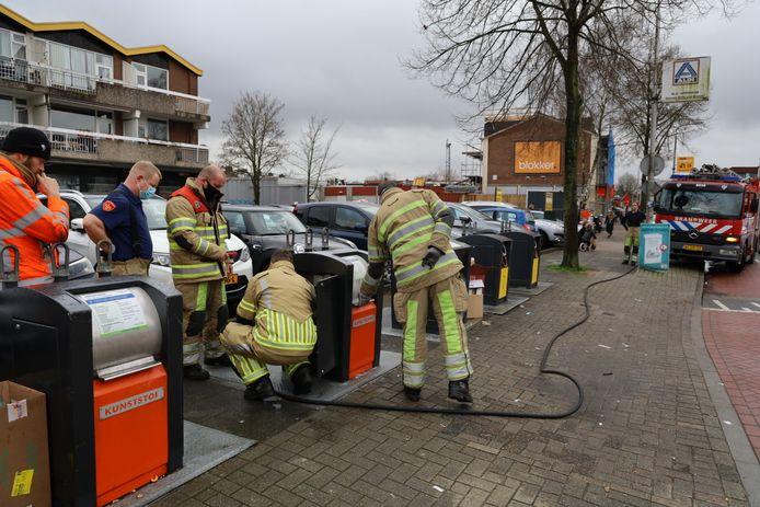 De brandweer in Amersfoort moest de container laten vollopen