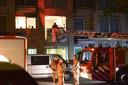 De brandweer haalde het slachtoffer uit de woning