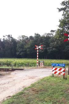 Afsluiting overgang spoor; nieuw fietspad langs P8 in Terborg