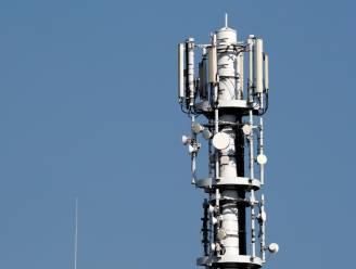 Franse monniken aangeklaagd voor in brand steken 5G-masten