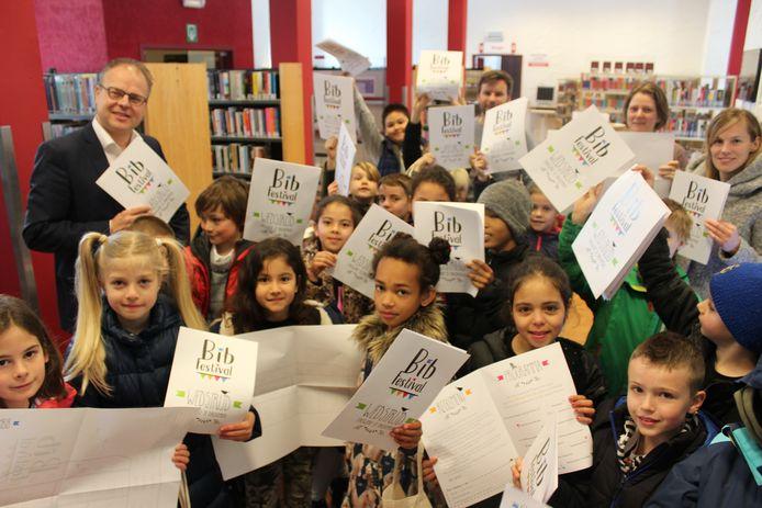 Kinderen tussen 6 en 14 jaar krijgen tot  12 mei de kans om zelf te kiezen hoe de nieuwe bibliotheek er zal  uitzien in Sint-Pieters-Leeuw.