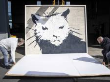 Veilingmeester Hessink uit Zwolle in z'n nopjes met enorm kunstwerk Banksy: 'Ik dacht: hoe krijg ik dat ding hier?'