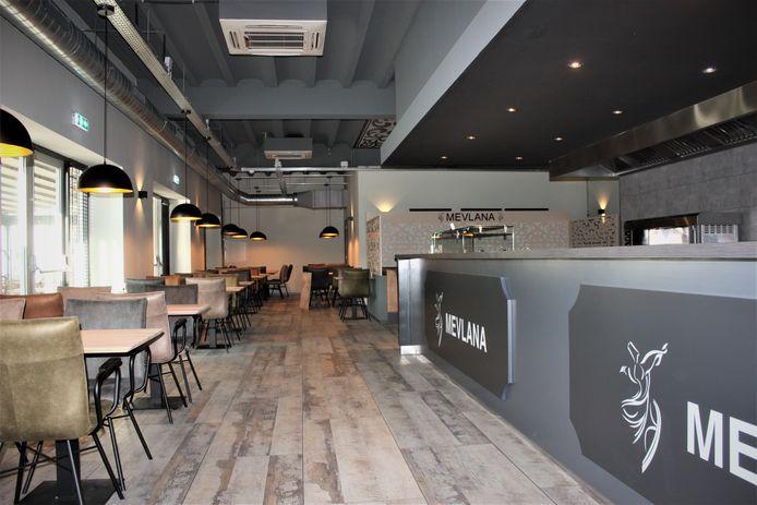 De afhaal- en uitserveerbalie van het nieuwe restaurant.