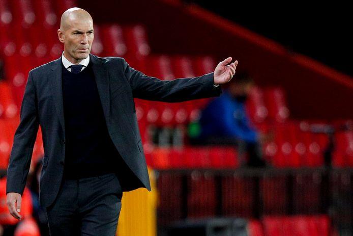 Zinédine Zidane, l'entraîneur du Real Madrid, a annoncé à son groupe qu'il quittera le club à la fin de la saison.