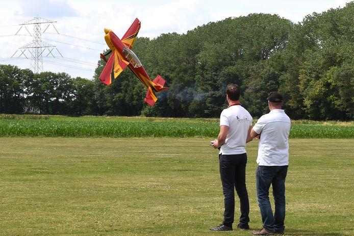 Verstoren nieuwe buren straks het vliegplezier van de piloten van Columbia?