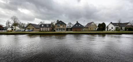 Bewoners beschadigde kanaalhuizen langer in onzekerheid door corona