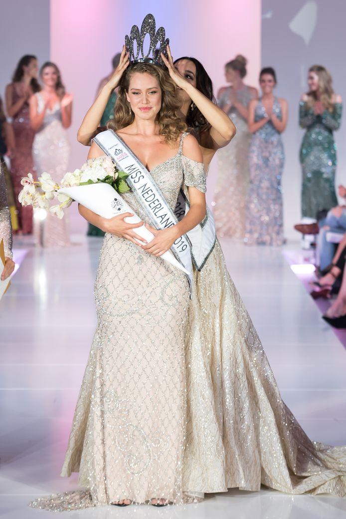 Miss Nederland 2019 - Sharon Pieksma - copyright Miss Nederland - Fotocredit Martin van Os