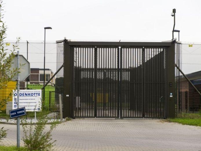 Het COA wil in de voormalige TBS-kliniek in Rekken een azc vestigen