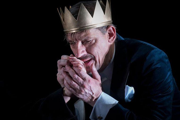 Peter Van den Begin als Risjaar Drei in een productie van Olympic Dramatique. Beeld Kurt Van Der Elst